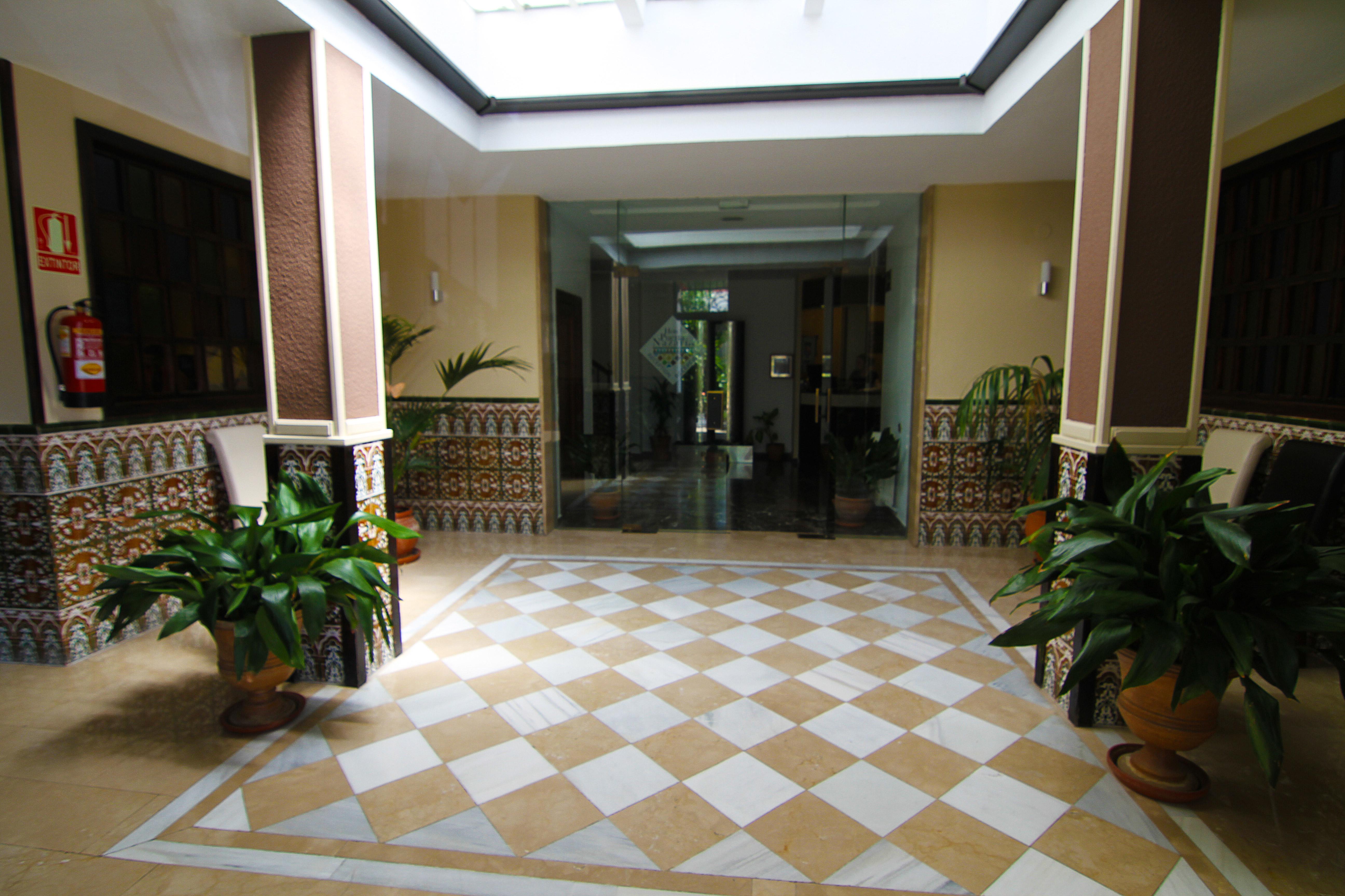 Recepción de Hotel Puerta Nazarí en Órgiva, Alpujarra Granada