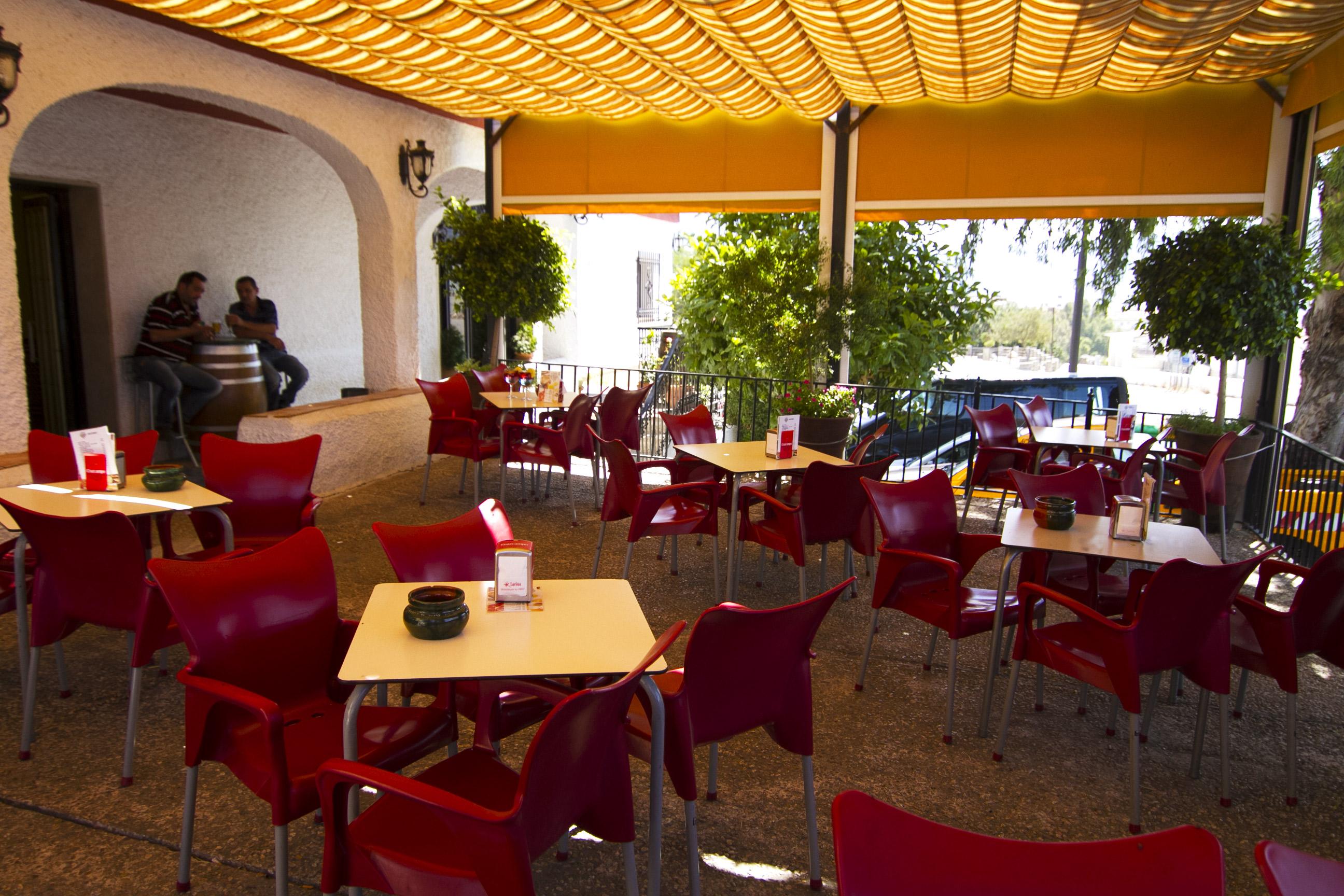 Terraza de Hotel Puerta Nazarí en Órgiva, Alpujarra Granada